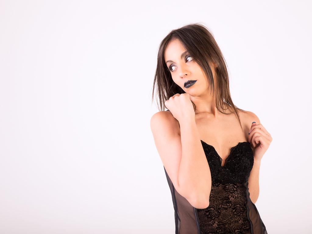 Simona Black #01
