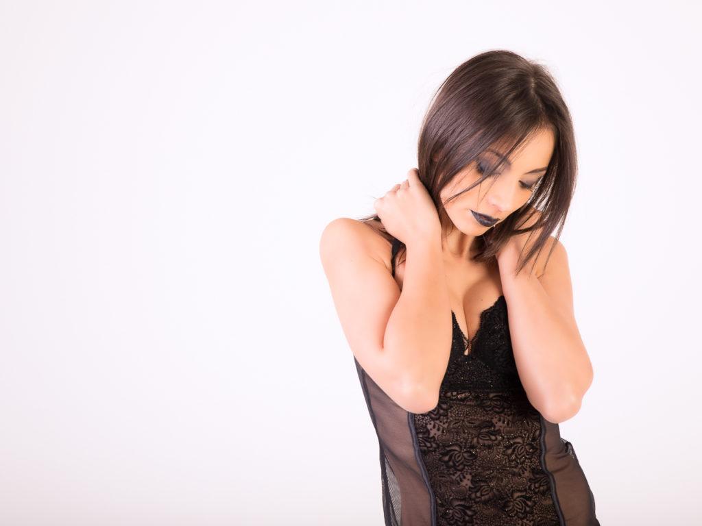 Simona Black #02