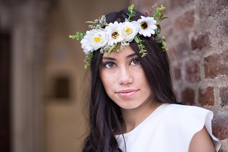 Eleonora (with flowers)