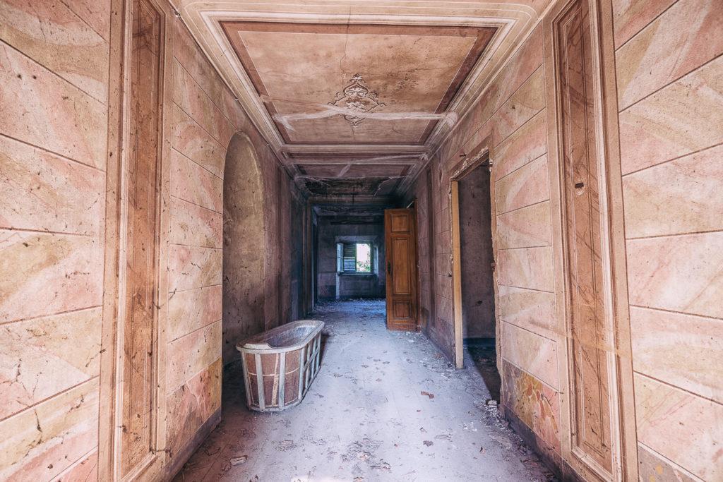 Palazzo dei Conti Morra #02