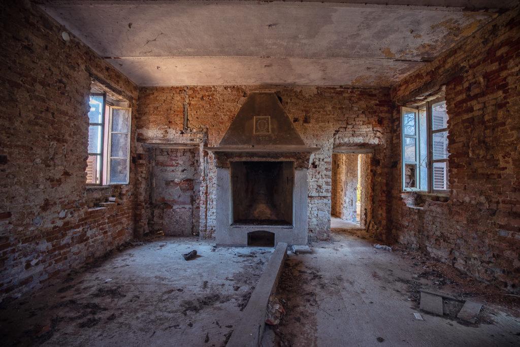 Bewildering House #05