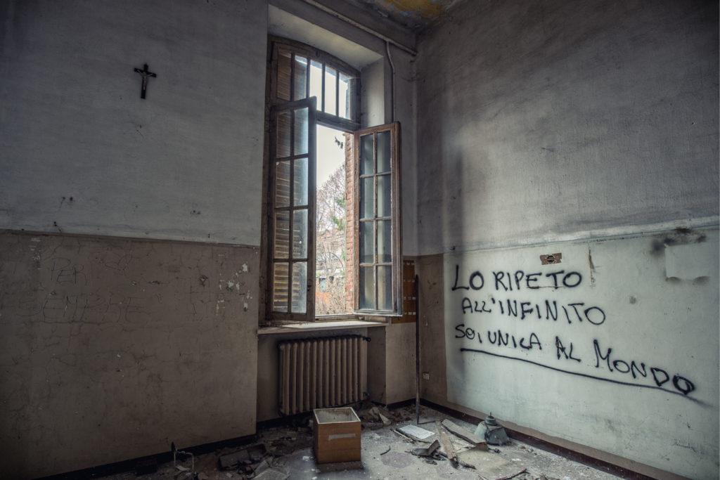 Asylum of R. /33